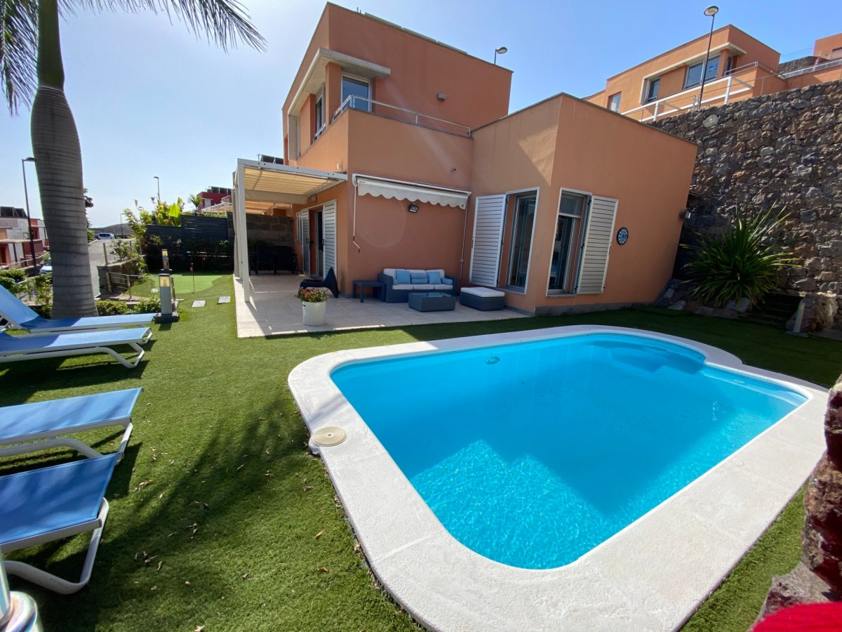 VENDITA CHALET CON PISCINA PRIVATA IN SALOBRE GOLF MASPALOMAS